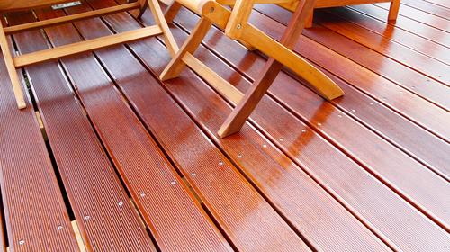 Captivating Auch Wenn Du Ein Extrem Witterungsbeständiges Terrassenholz, Wie  Beispielsweise Bangkirai, Dein Eigen Nennst, Kannst Du Auf Eine Gründliche  Pflege Nicht ...